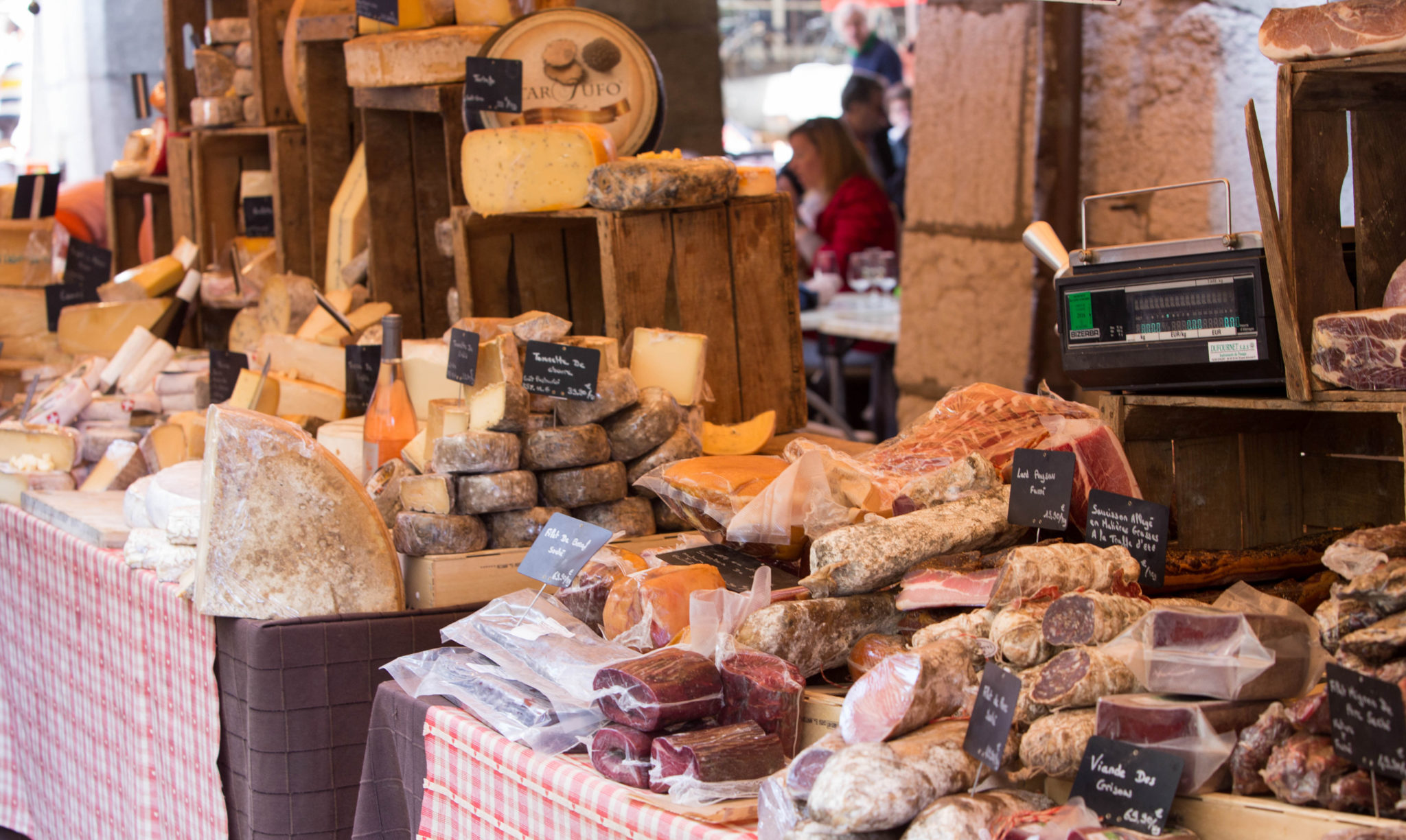 photo marché annecy fromages